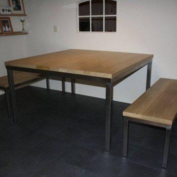Afbeelding Beuckenroode meubelmaker tafel met twee banken