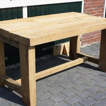 Afbeelding Beuckenroode meubelmaker tafel buiten